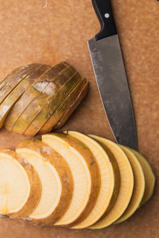 How to cut rutabaga vegetable