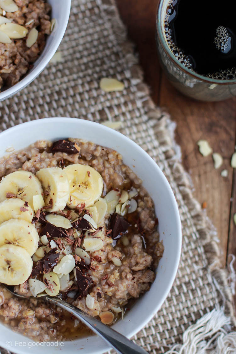 Baked Steel Cut Banana Oatmeal prepared in the oven - perfect for entertaining guests at breakfast or meal prepping breakfast for the week! | Healthy Breakfast | Breakfast Ideas | Quick Breakfast Recipe | #breakfast #oats #oatmeal #feelgoodfoodie