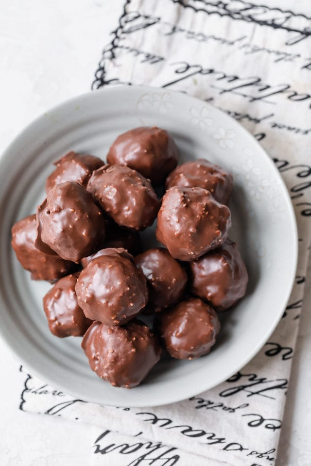 Plate of the final chocolate coconut balls