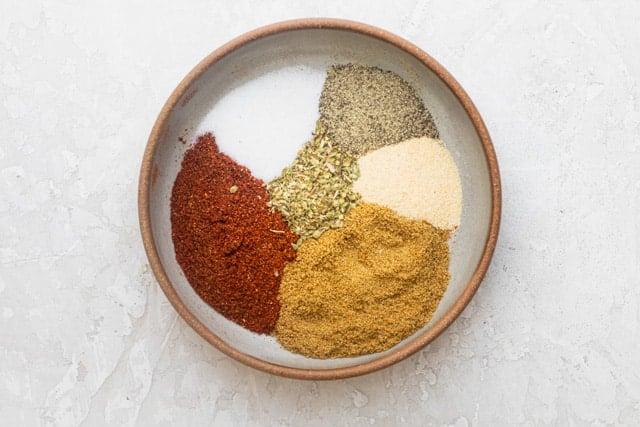 seasoning for making homemade tacos: chili powder, cumin, garlic powder, oregano, salt and pepper