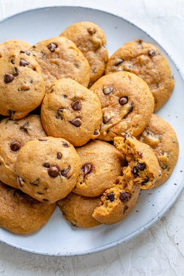 Perfect fall treats - pumpkin chocolate chip cookies
