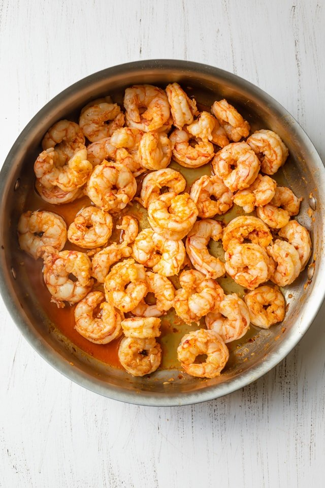 Cooked shrimp in the pan