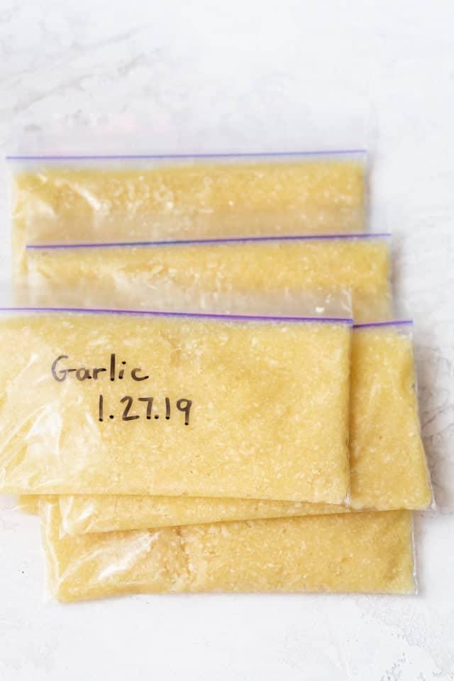 Plastic storage bags of garlic paste - how to freeze garlic