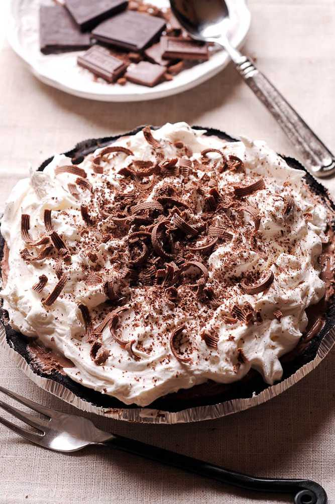 a no bake chocolate dessert
