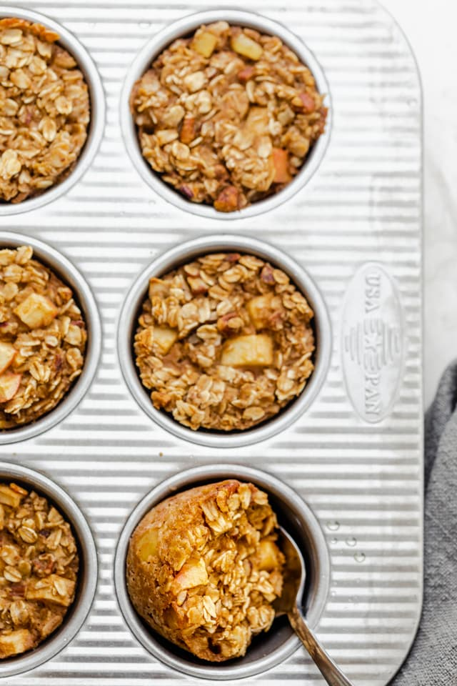 Final baked apple cinnamon oatmeal cups