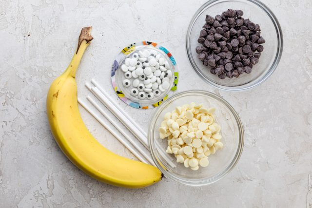 Ingredients to make monster banana bites