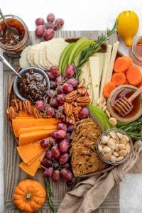 How to make a beautiful cheese board for the holidays