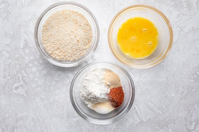 Dredging station: Flour and spices, eggs, panko breadcrumbs