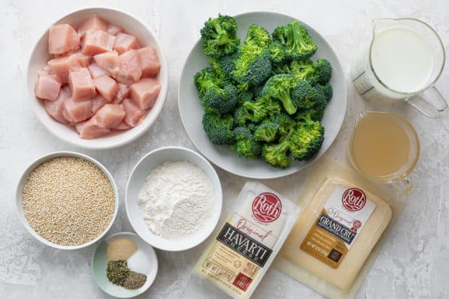 Ingredients to make the recipe: chicken, broccoli, flour, quinoa, milk, broth and cheese