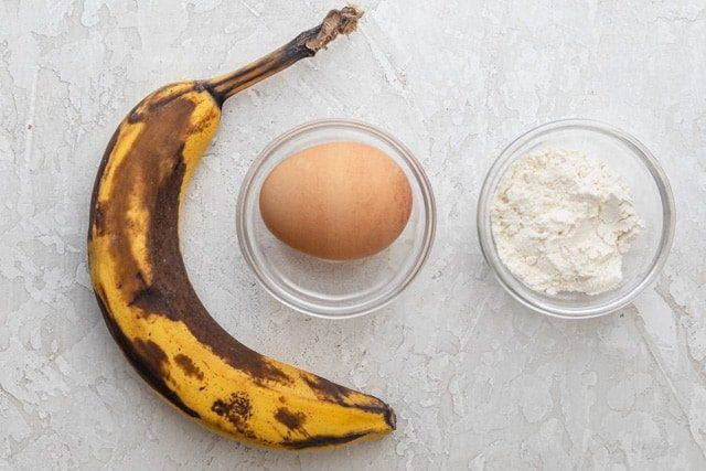 The 3 ingredients to make the pancakes