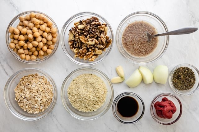 Ingredients to make the recipe all on a bowl