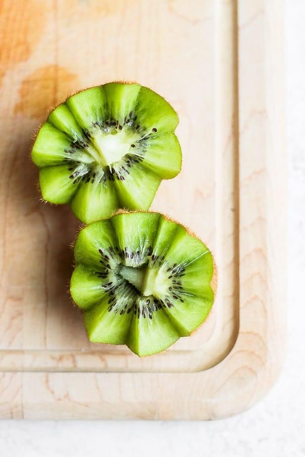 Star cut kiwi fruit