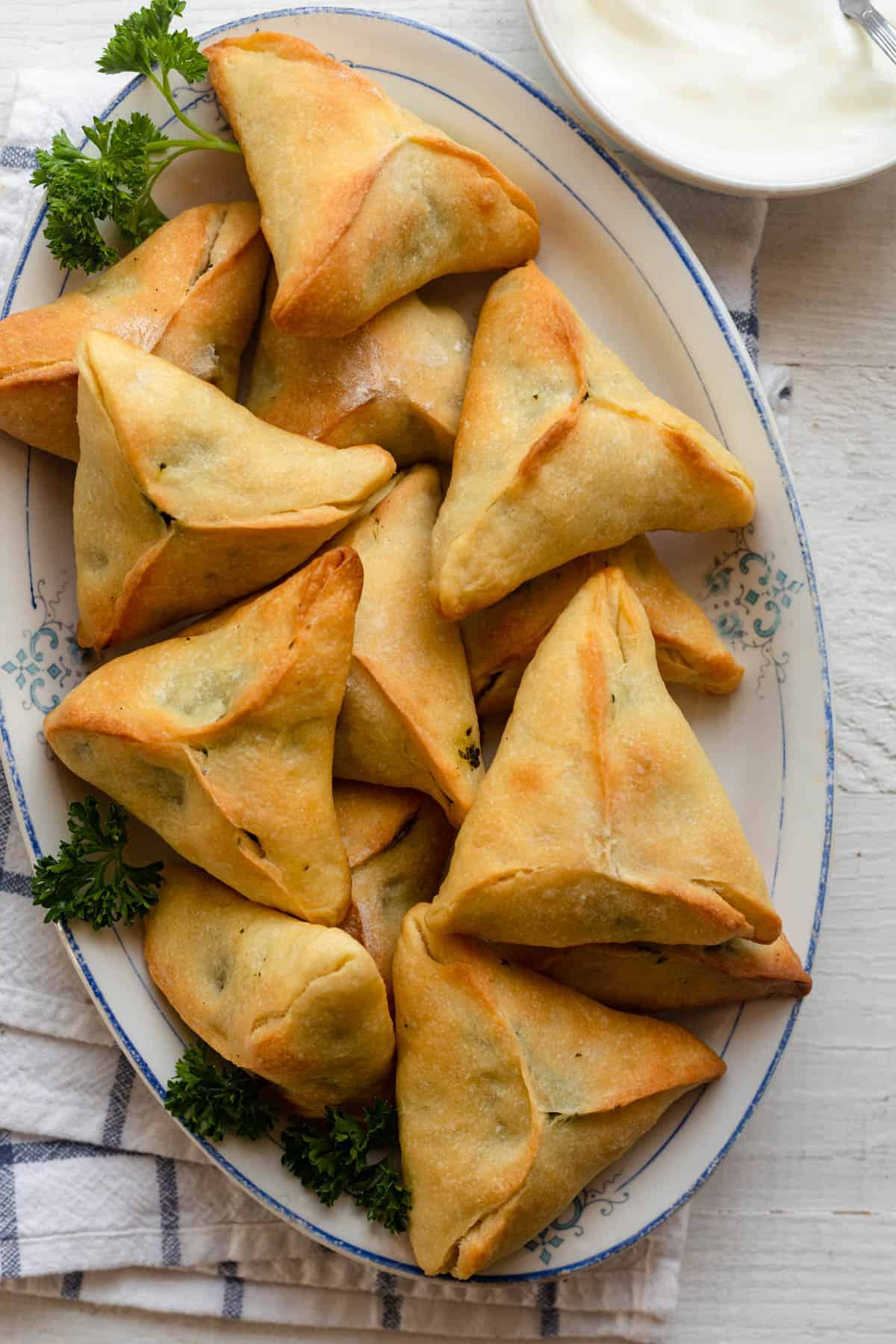 Lebanese Spinach Pies {Traditional Fatayer Recipe} | FeelGoodFoodie