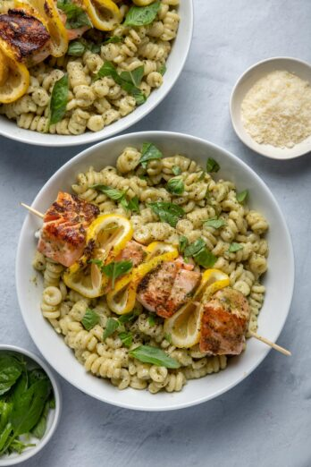 Pesto grilled salmon skewers with pasta