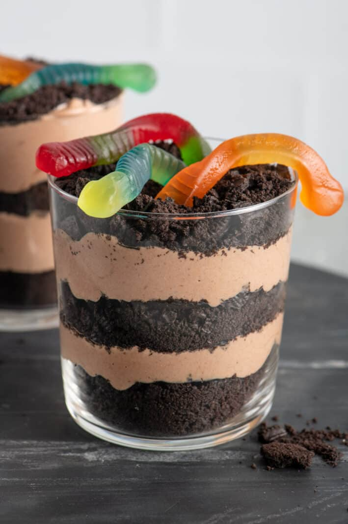 Dirt pudding cups made with pudding and oreos
